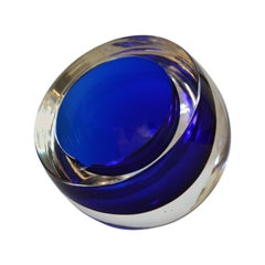 Signed Gino Cenedese Round Heavy Murano Glass Blue and Clear Ashtray Italy 1960s