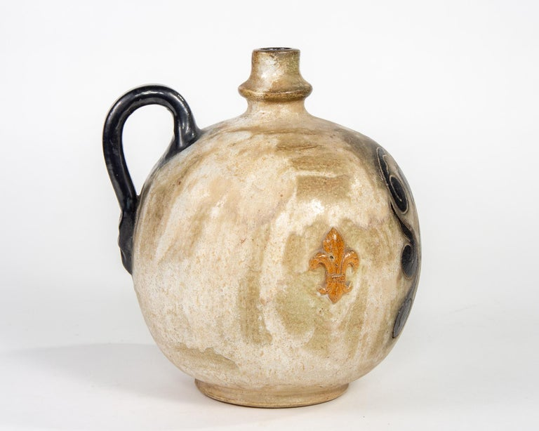 Signed Guerin Jug with Shield and Fleur-de-Lis In Excellent Condition For Sale In Troy, MI