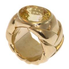 JAR 10.50 Carat Yellow Sapphire and 18 Karat Gold Ring
