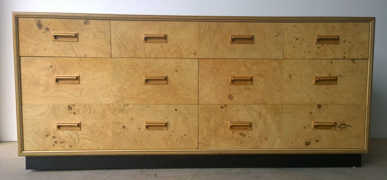 Henredon Dresser with an Oak Case, Burl Olive Drawers and Macassar Ebony Inlays For Sale 6