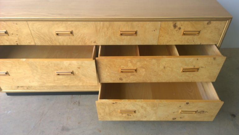 Henredon Dresser with an Oak Case, Burl Olive Drawers and Macassar Ebony Inlays For Sale 10