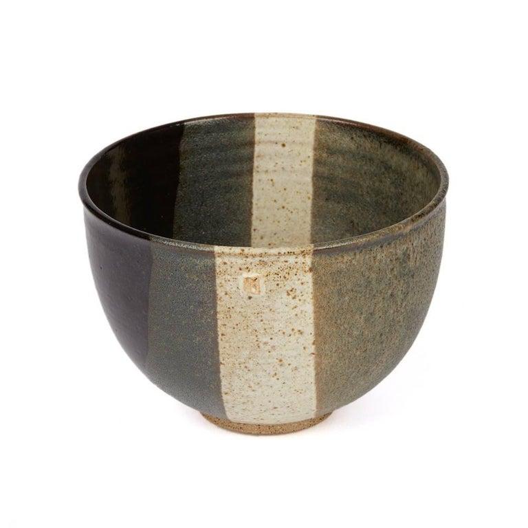 Signed Monochrome Stripe Design Studio Pottery Bowl, 20th Century In Good Condition For Sale In Bishop's Stortford, Hertfordshire