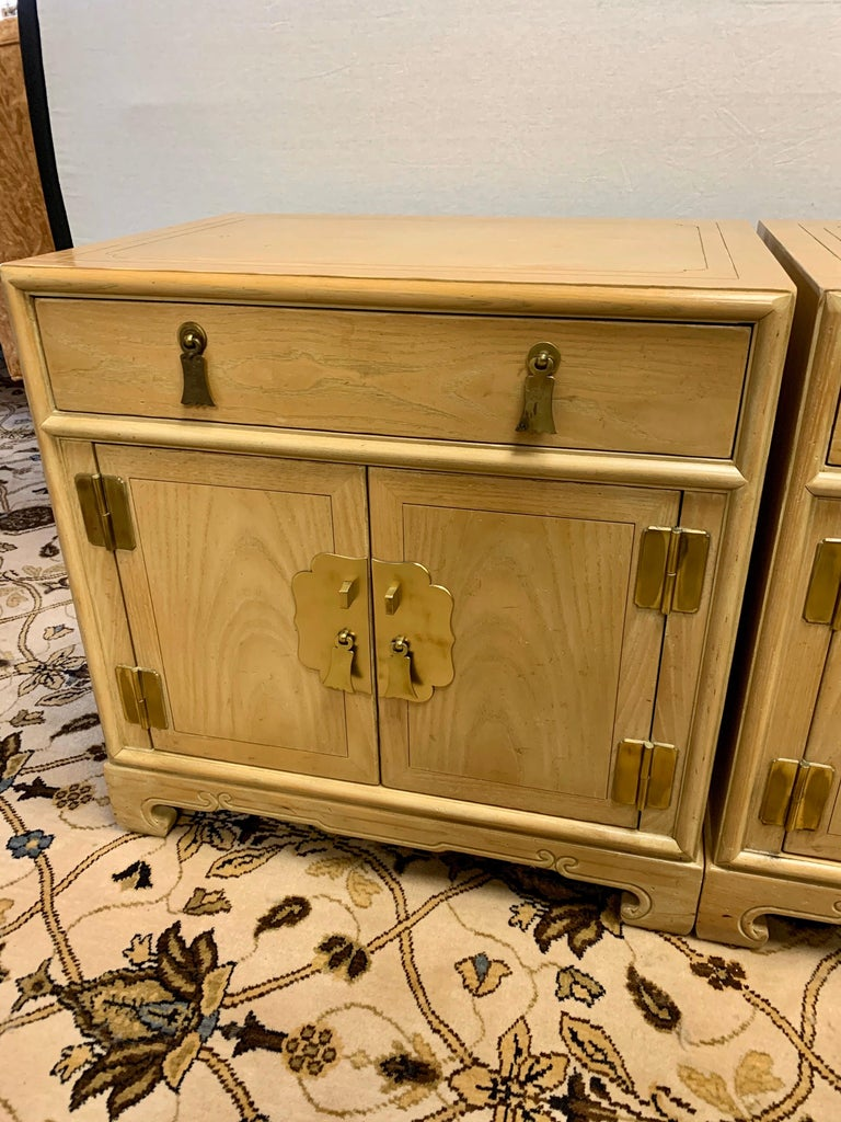 American Signed Ray Sabota for Century Furniture Pair of Nightstands End Tables For Sale