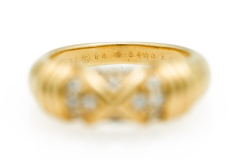 Signed Van Cleef & Arpels Diamond Band Ring in 18 Karat Yellow Gold For Sale 4