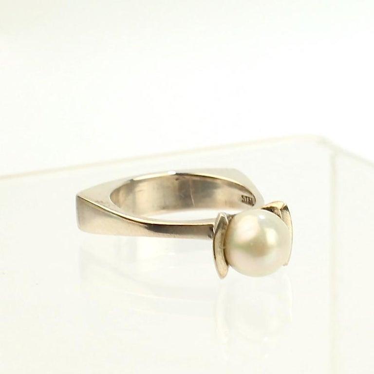 Signed Wesley Emmons Rocker Shank Modernist Sterling Silver and Pearl Ring For Sale 5
