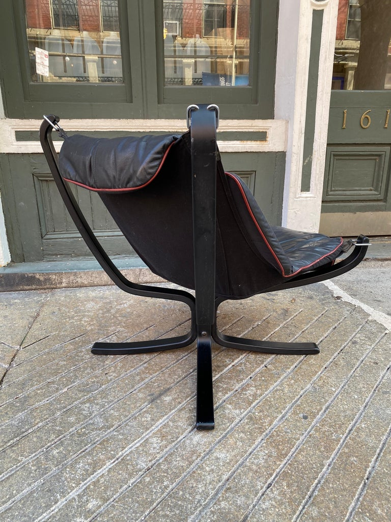 Scandinavian Modern Sigurd Ressell Falcon Leather lounge Chair For Sale