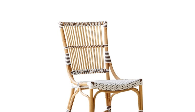 Affäire is designed for the upper end cafés, brasseries and restaurants in historical European cities and capitals all-over the world. An elegant choice for Rivieras and sidewalk cafés, our handcrafted Affäire café chairs, stools and tables bring