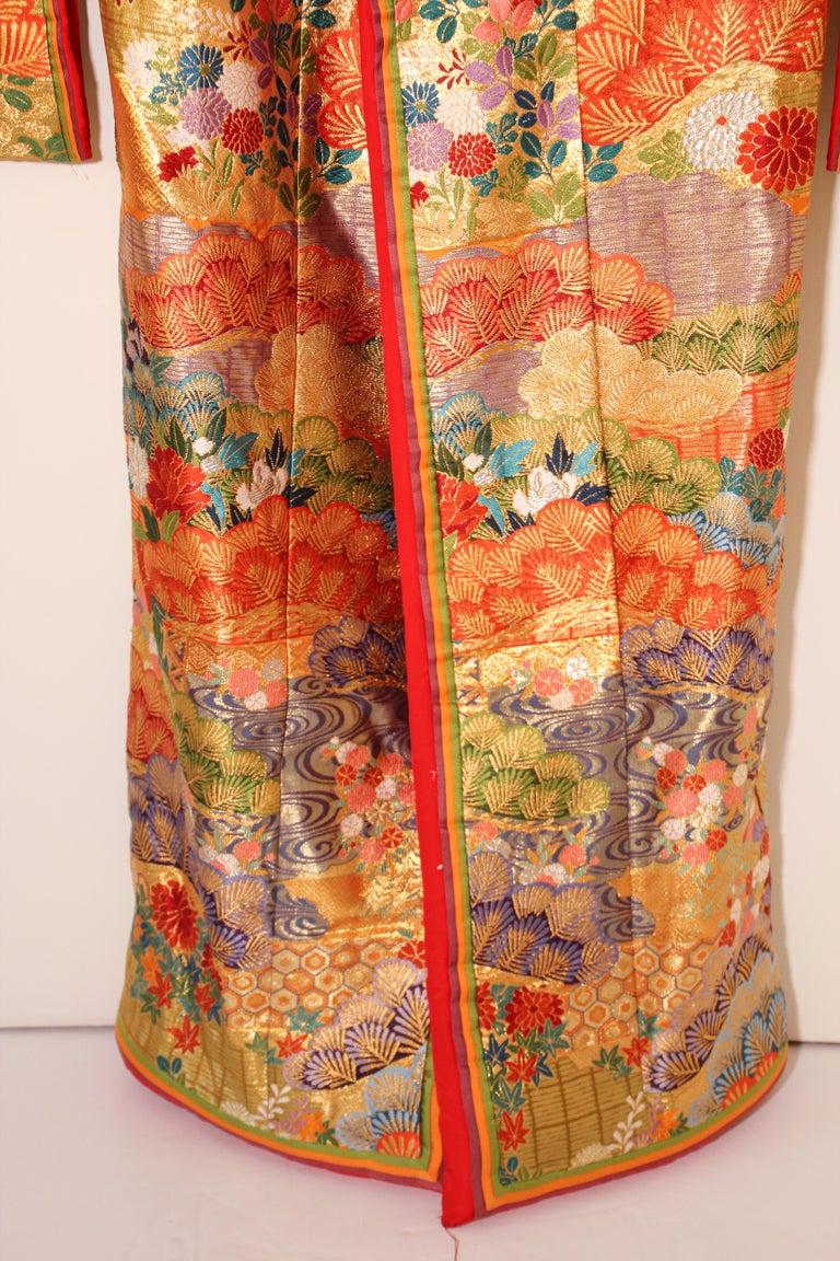 Silk Brocade Japanese Ceremonial Wedding Kimono For Sale 4