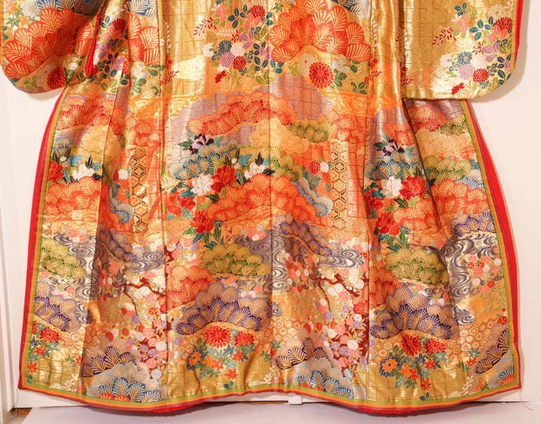 Silk Brocade Japanese Ceremonial Wedding Kimono For Sale 8