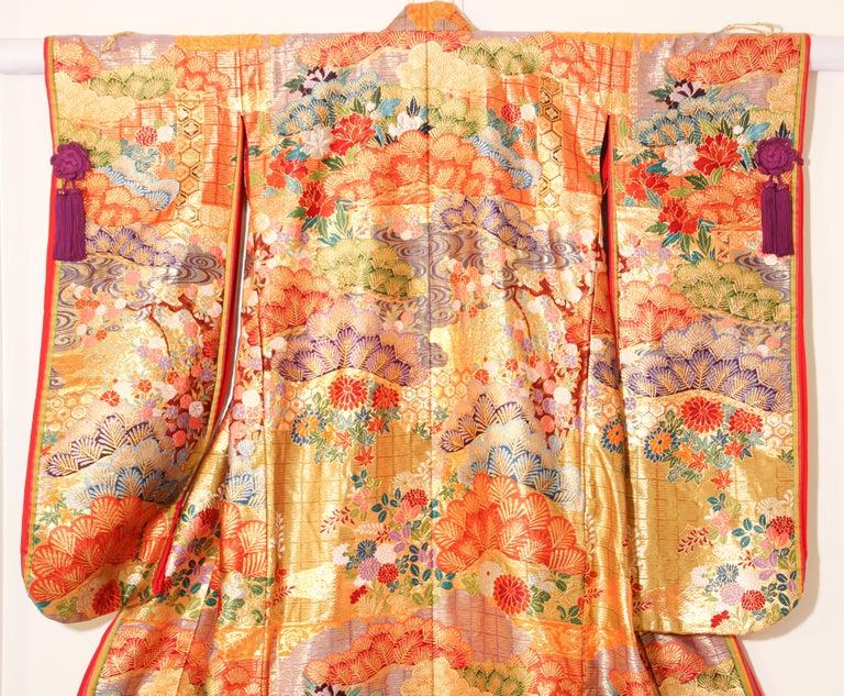 Silk Brocade Japanese Ceremonial Wedding Kimono For Sale 9
