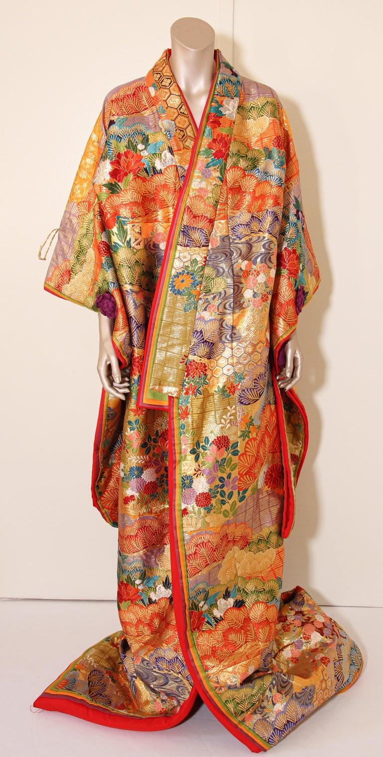 Silk Brocade Japanese Ceremonial Wedding Kimono For Sale 10
