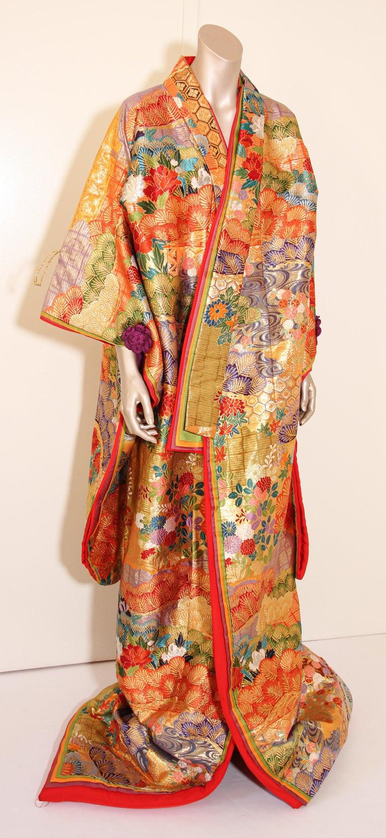 Silk Brocade Japanese Ceremonial Wedding Kimono For Sale 11