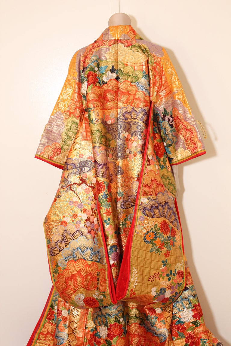Silk Brocade Japanese Ceremonial Wedding Kimono For Sale 13
