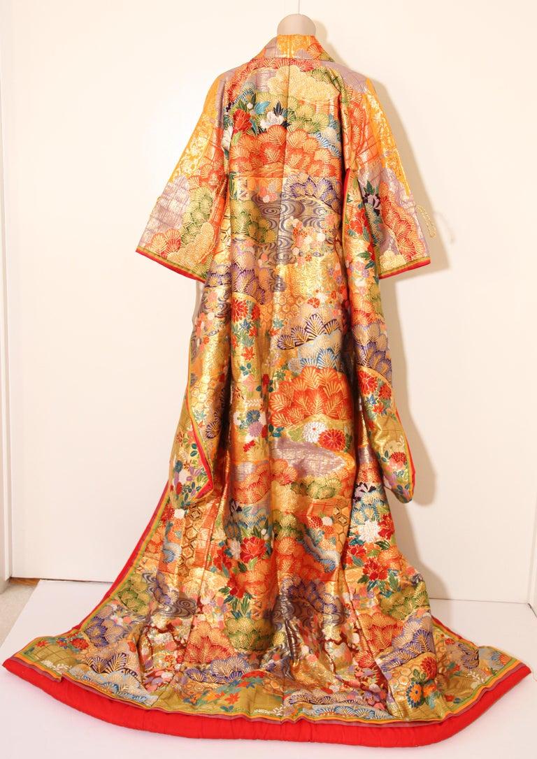 Silk Brocade Japanese Ceremonial Wedding Kimono For Sale 14