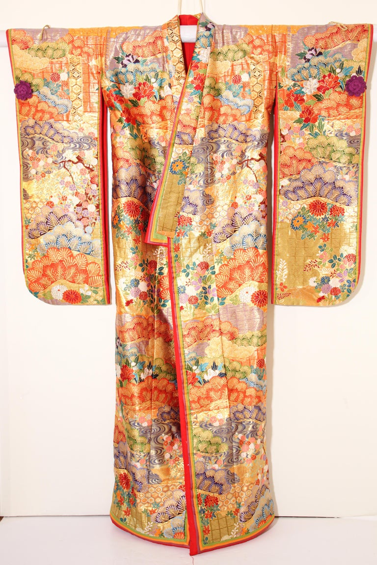 Hand-Crafted Silk Brocade Japanese Ceremonial Wedding Kimono For Sale