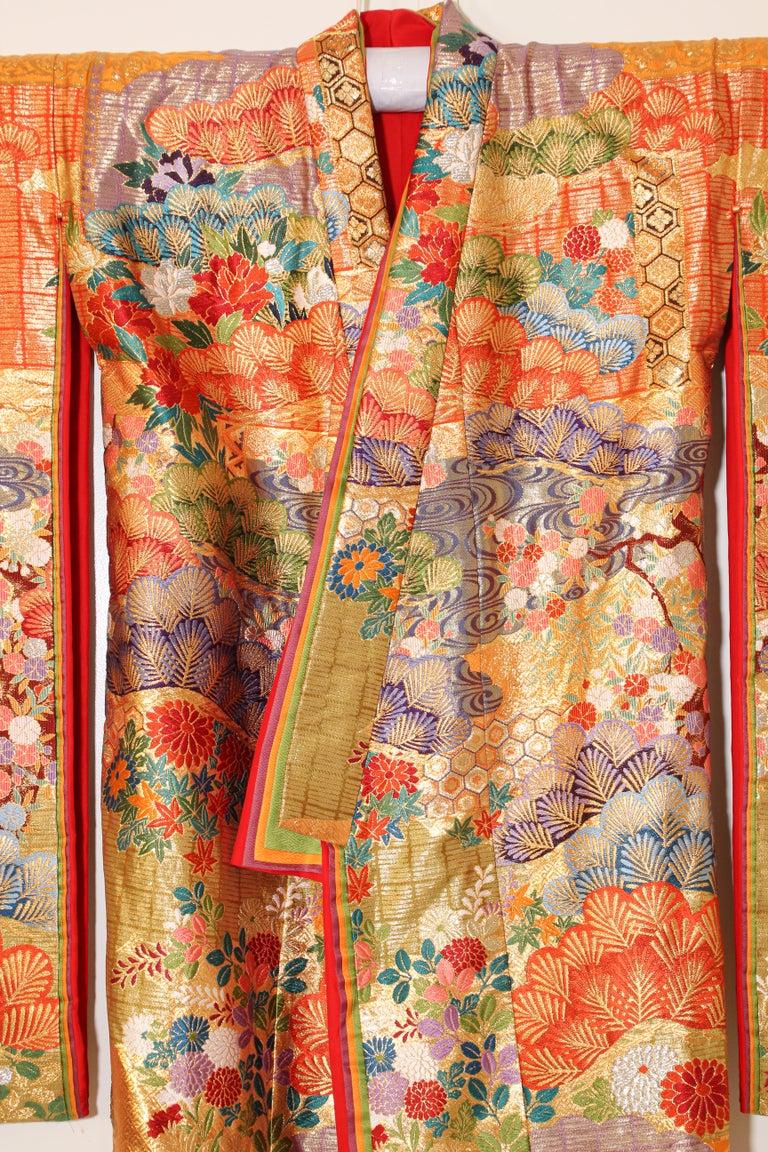 Silk Brocade Japanese Ceremonial Wedding Kimono For Sale 3