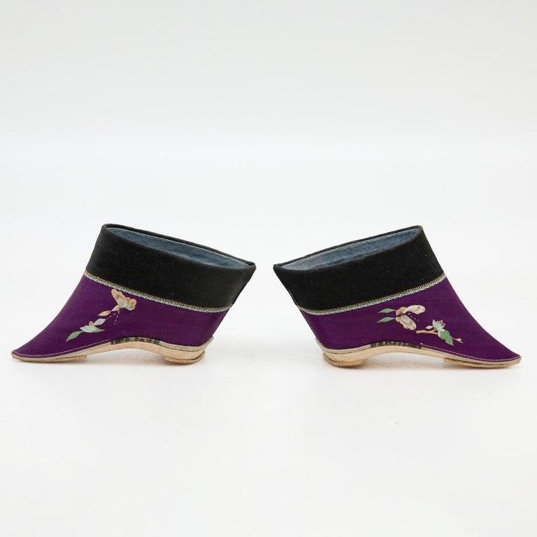 Silk Embroidered Chinese Bound Foot Shoes In Excellent Condition For Sale In New York, NY