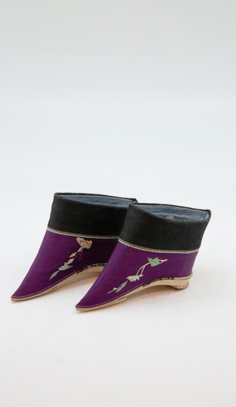 Leather Silk Embroidered Chinese Bound Foot Shoes For Sale