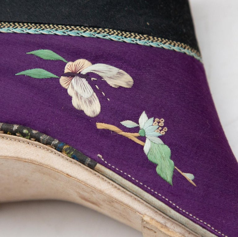 Silk Embroidered Chinese Bound Foot Shoes For Sale 2