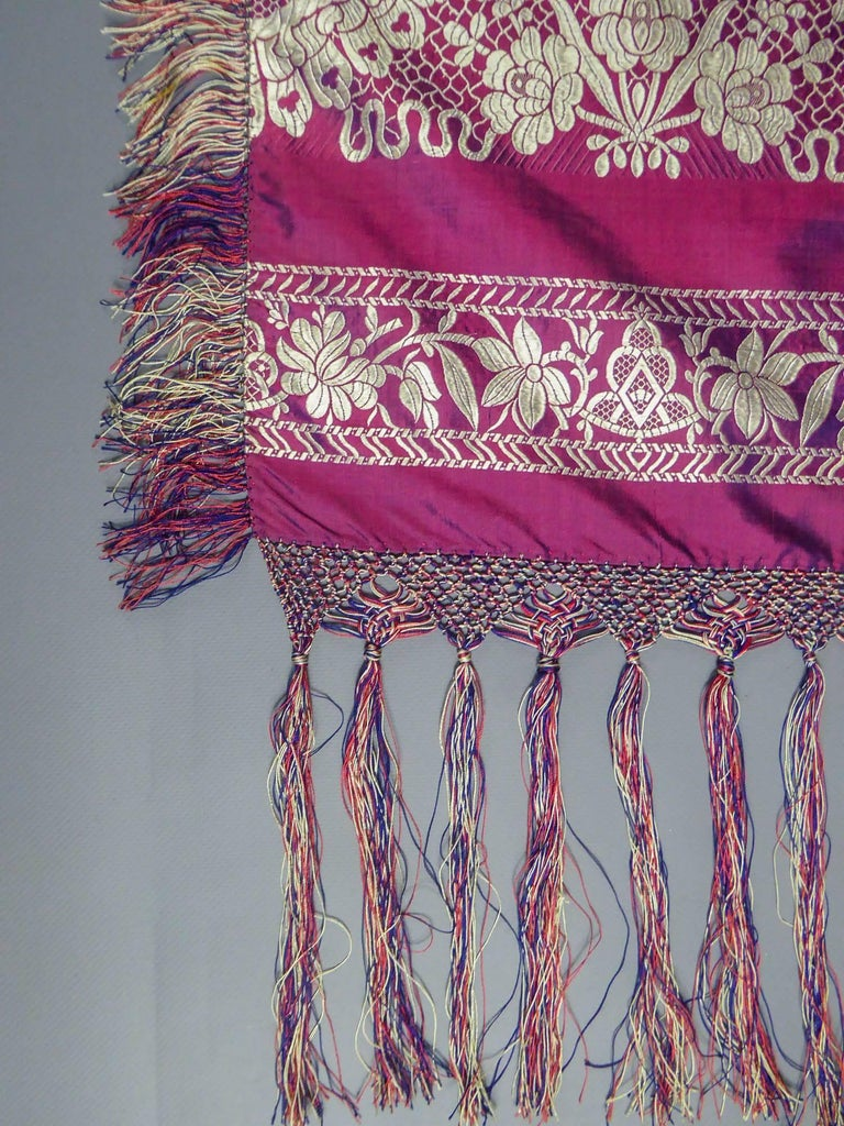 Women's 19th century Silk Stole With Lace design, Lyon France   For Sale