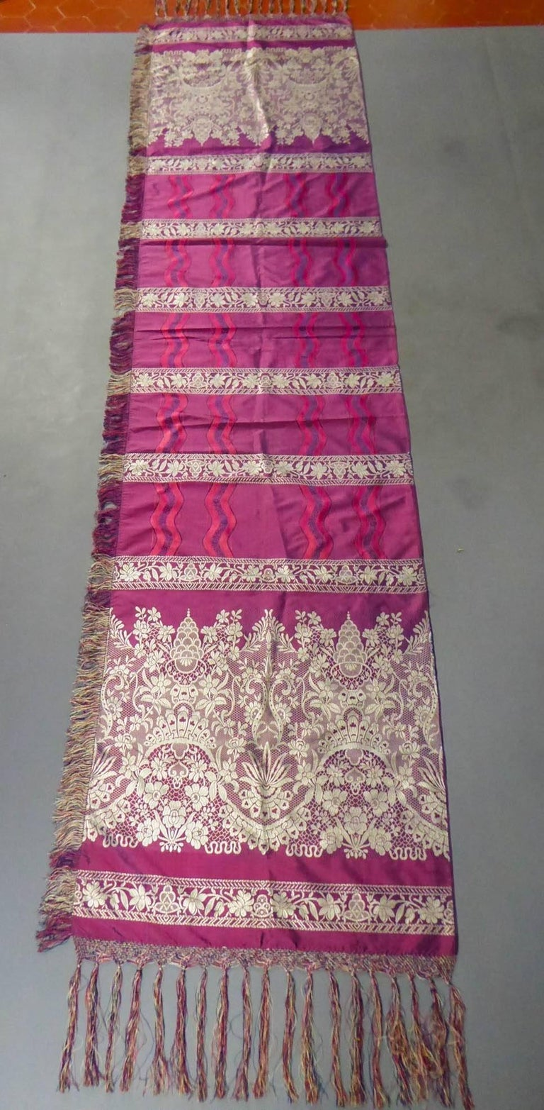 19th century Silk Stole With Lace design, Lyon France   For Sale 1