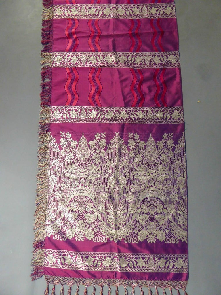 19th century Silk Stole With Lace design, Lyon France   For Sale 2