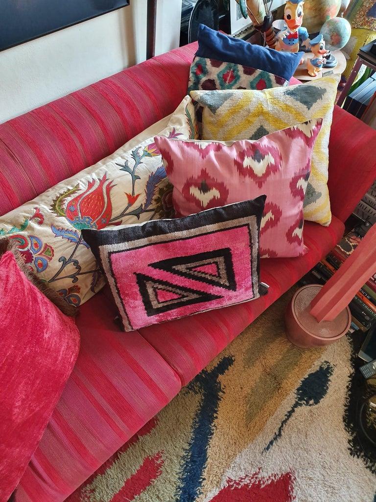 Other Silk Velvet Pınk Square Cushion For Sale