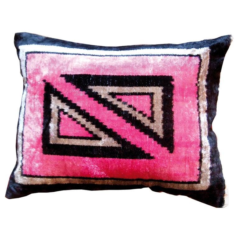 Silk Velvet Pınk Square Cushion For Sale