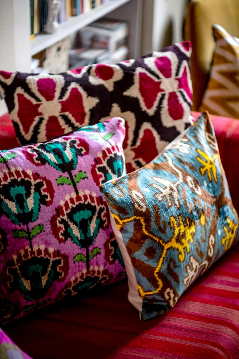 The softness of velvet and the brightness of silk join in this wonderful cushion inspired by the graphic and patterns of Mediterranean and ottoman style   Front side silk velvet Back side silk ikat