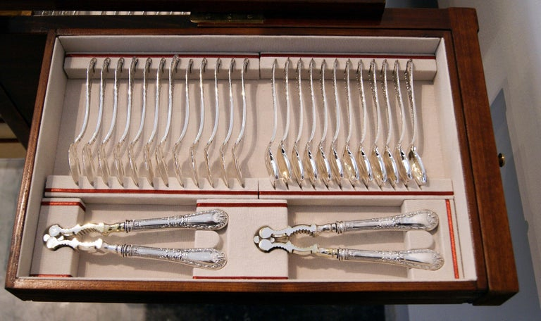 Silver 234-Pieces Cutlery Set 12 Persons Spain Orion Art Nouveau Cabinet ca.1900 For Sale 1