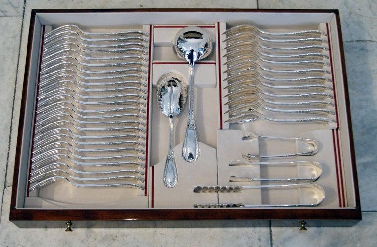 Silver 234-Pieces Cutlery Set 12 Persons Spain Orion Art Nouveau Cabinet ca.1900 For Sale 3