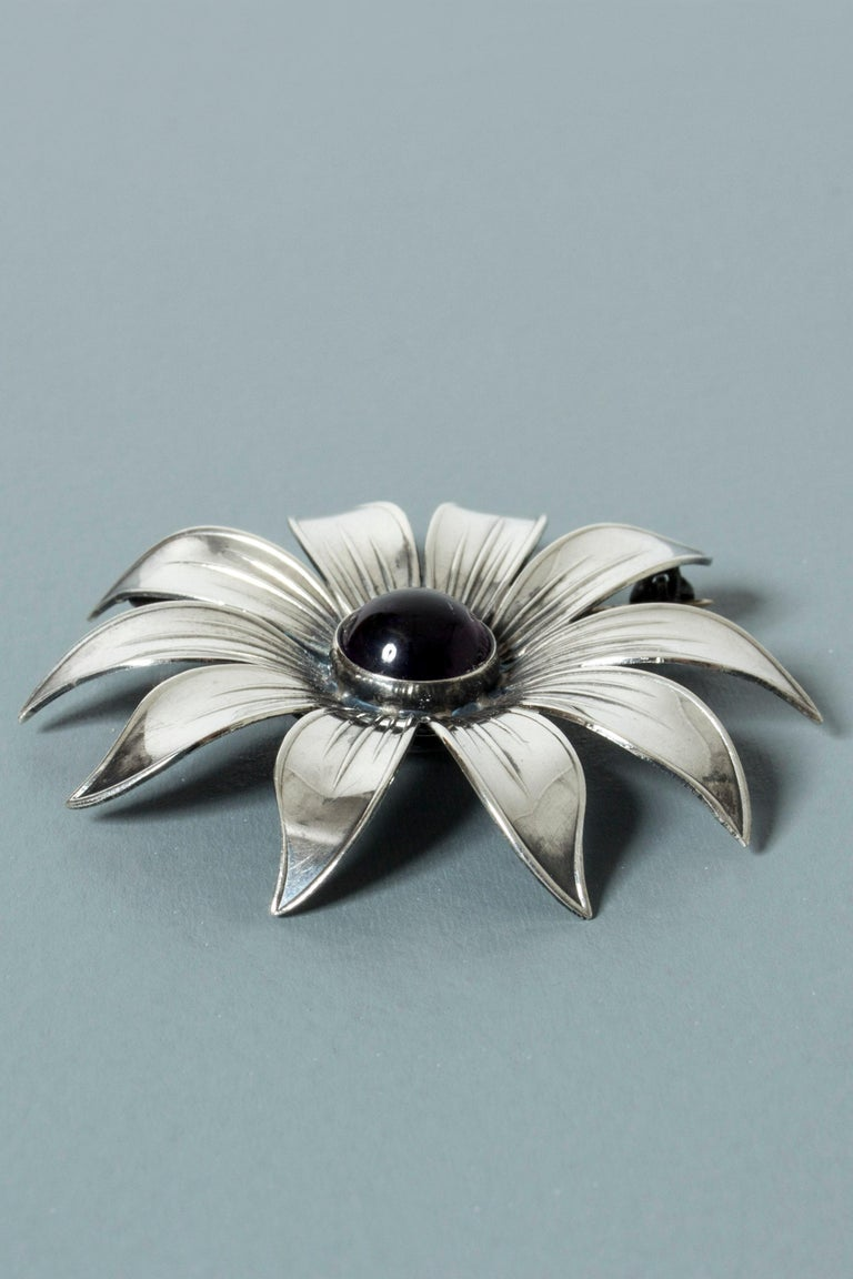 Silver and Amethyst Brooch by Arvo Saarela, Sweden, 1961 In Good Condition For Sale In Stockholm, SE