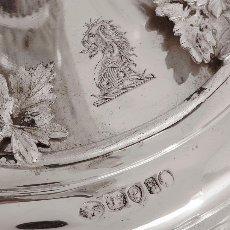 Silver and glass epergne by Stephen Smith & Son of London For Sale 3