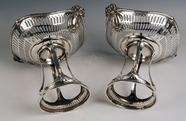 Early 20th Century Silver Art Nouveau Pair of Centrepieces Holders Bruckmann and Sons, Germany 1900 For Sale