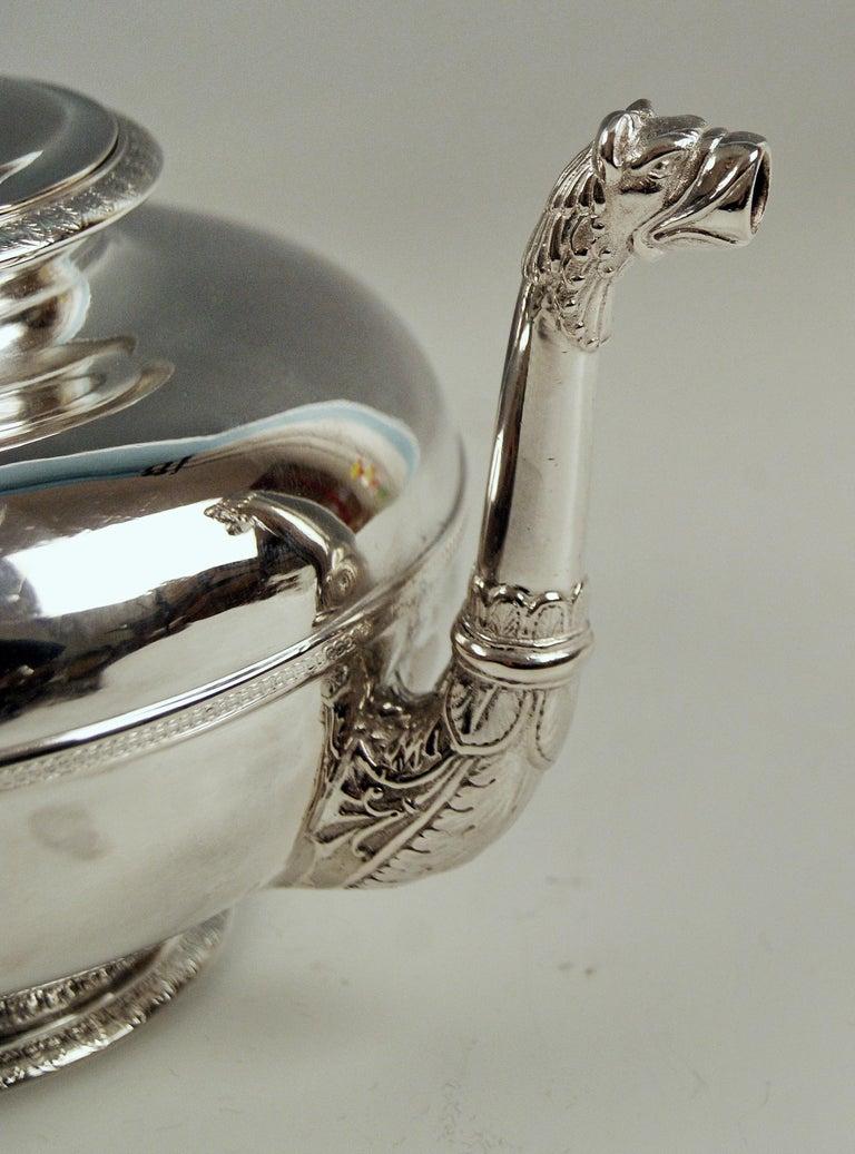 Silver Austria Vienna Tea Pot Biedermeier Period by Christian Sander Made 1829 In Excellent Condition For Sale In Vienna, AT