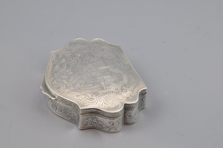 Neoclassical Silver Box, 19th-20th Centuries For Sale