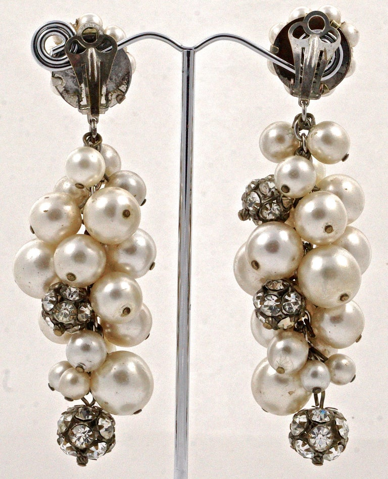 Silver Bronze Tone Rhinestone Faux Pearl Cluster Clip On Drop Earrings, 1960s  In Good Condition For Sale In London, GB