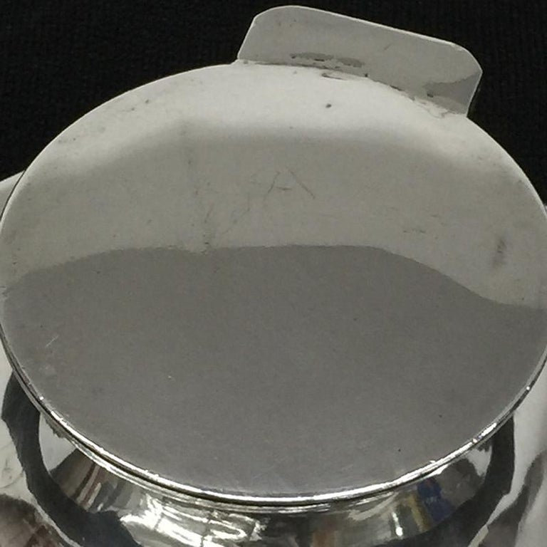 Silver Capstan Inkwell, English Hallmarked, Chester, 1908 by Cohen & Charles For Sale 2