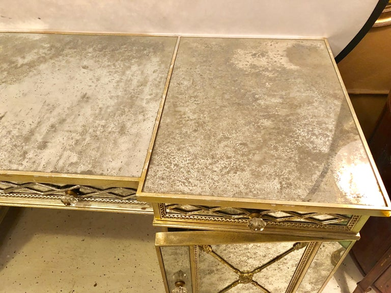Silver Gilt Triple Vanity With Antique Mirror Panelling