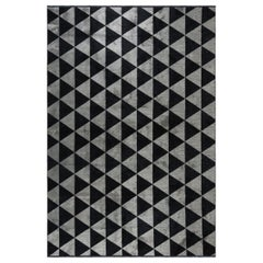 Silver Gray and Black Triangle Diamond Geometric Pattern Rug with Shine