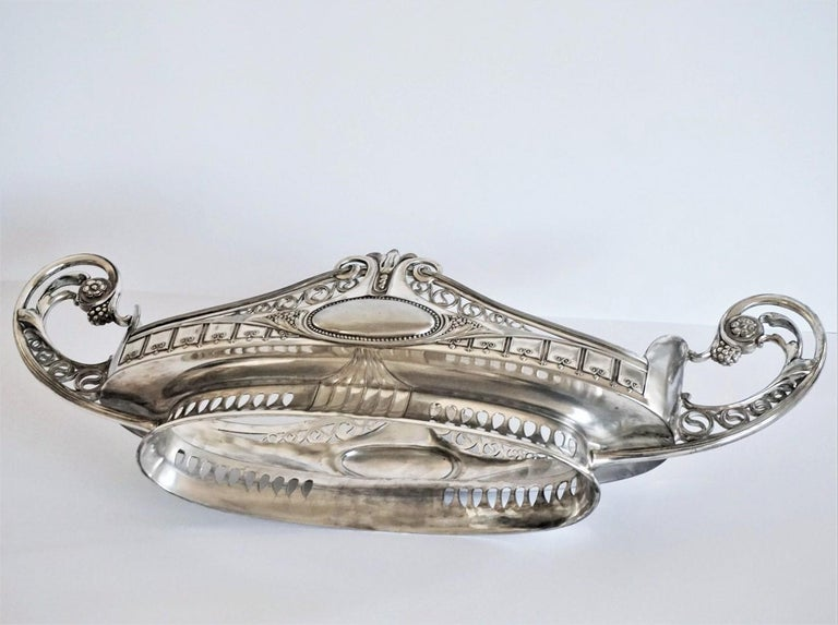 Silver Large Centrepiece with Original Cut Crystal Liner, Germany, 1900-1910 For Sale 3