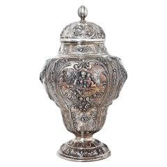 Deutsche Silberne Urne mit Deckel, circa 1900
