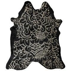 Silver Metallic Boho Batik Pattern Black Cowhide Rug, Medium