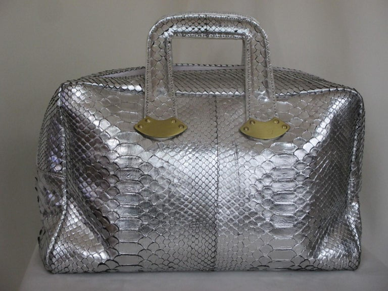 Silver Metallic Exotic skin Leather Handbag In Good Condition For Sale In Amsterdam, NL