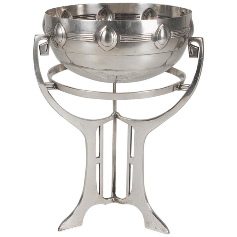 Silver-Plate Art Nouveau Bowl on Stand, Germany, Early 20th Century For Sale