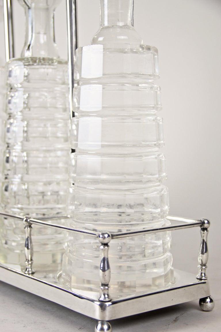 Silver Plated Three Glass Bottle Tantalus Lockable, Austria, circa 1890 11