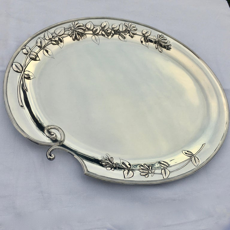 Silver platter, Jugendstil, made by M.H. Wilkens & Söhne. Oval asymmetric shape combined with Jugendstil floral decoration.  This unique and excellently made finest oblong silver serving platter of gorgeous appearance. The platter's middle area has