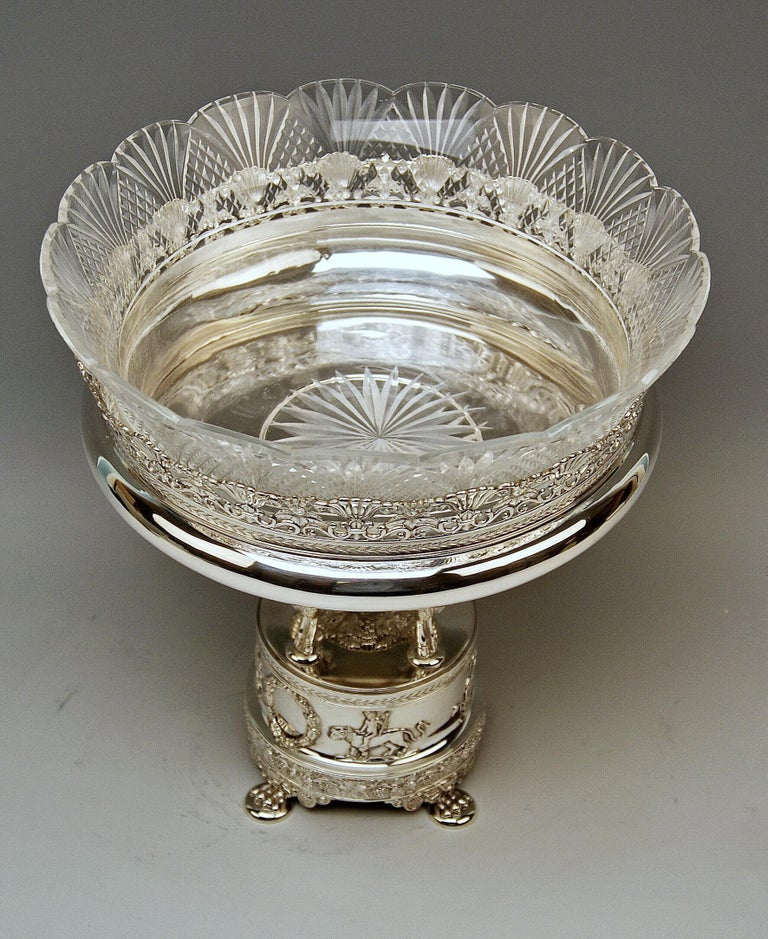 Silver Round Flower Bowl Centrepiece Heinrich Bleyer Chemnitz Germany circa 1890 In Excellent Condition For Sale In Vienna, AT