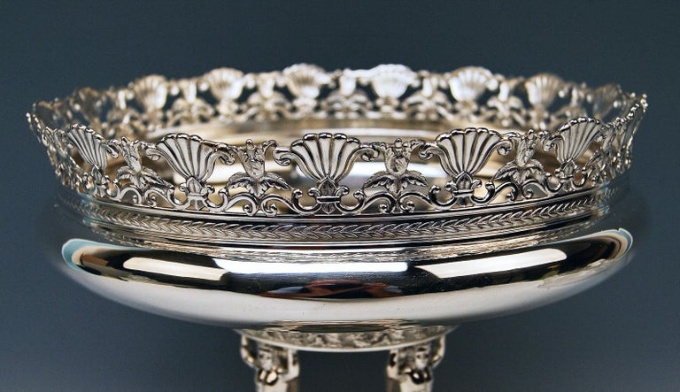 Sterling Silver Silver Round Flower Bowl Centrepiece Heinrich Bleyer Chemnitz Germany circa 1890 For Sale