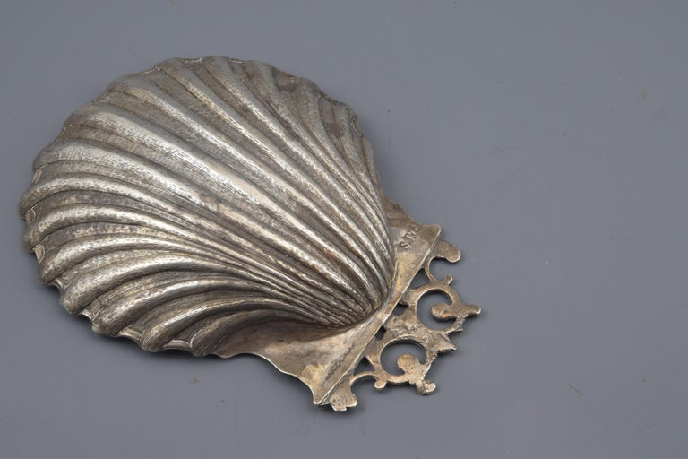 Silver Shell, Toledo, Spain, circa Mid-18th Century In Good Condition For Sale In Madrid, ES